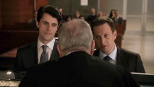 The Good Wife 05x15 : Dramatics, Your Honor- Seriesaddict